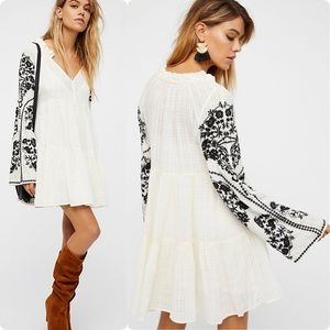 🌷 Amazing FREE PEOPLE grid embroidered dress top